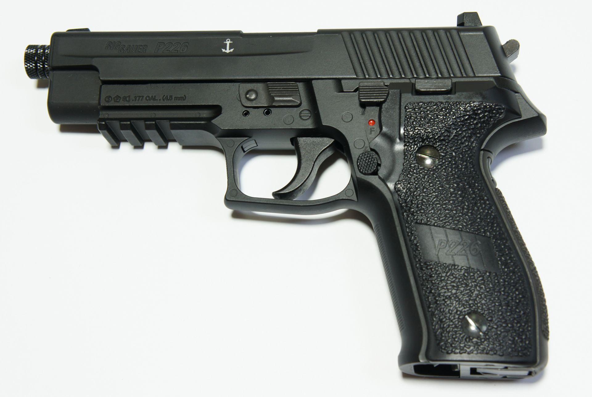 SIG P226 CO2-Pistole - 4,5 mm
