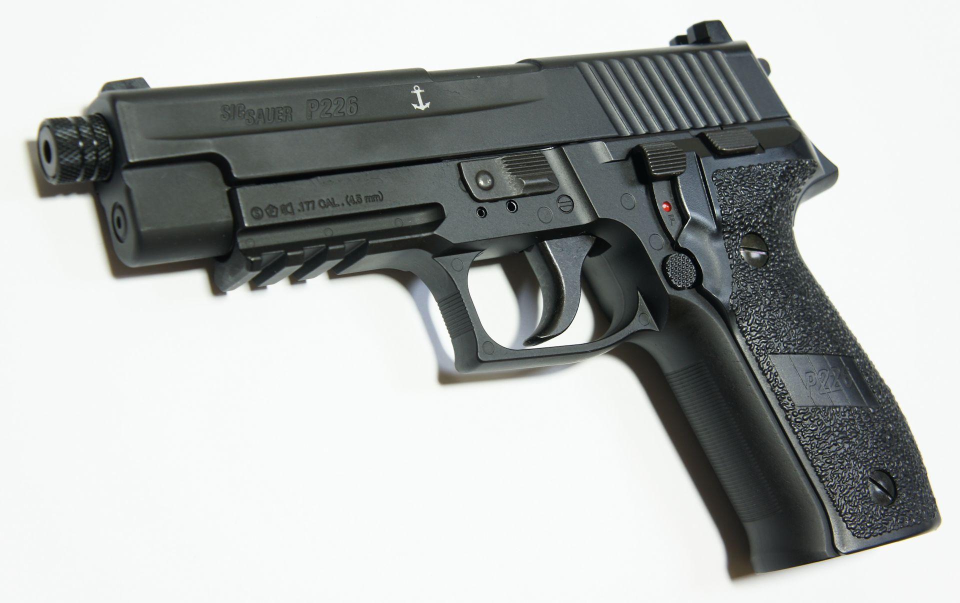 SIG P226 CO2-Pistole - 4,5 mm Laufgewinde und Mündungamutter