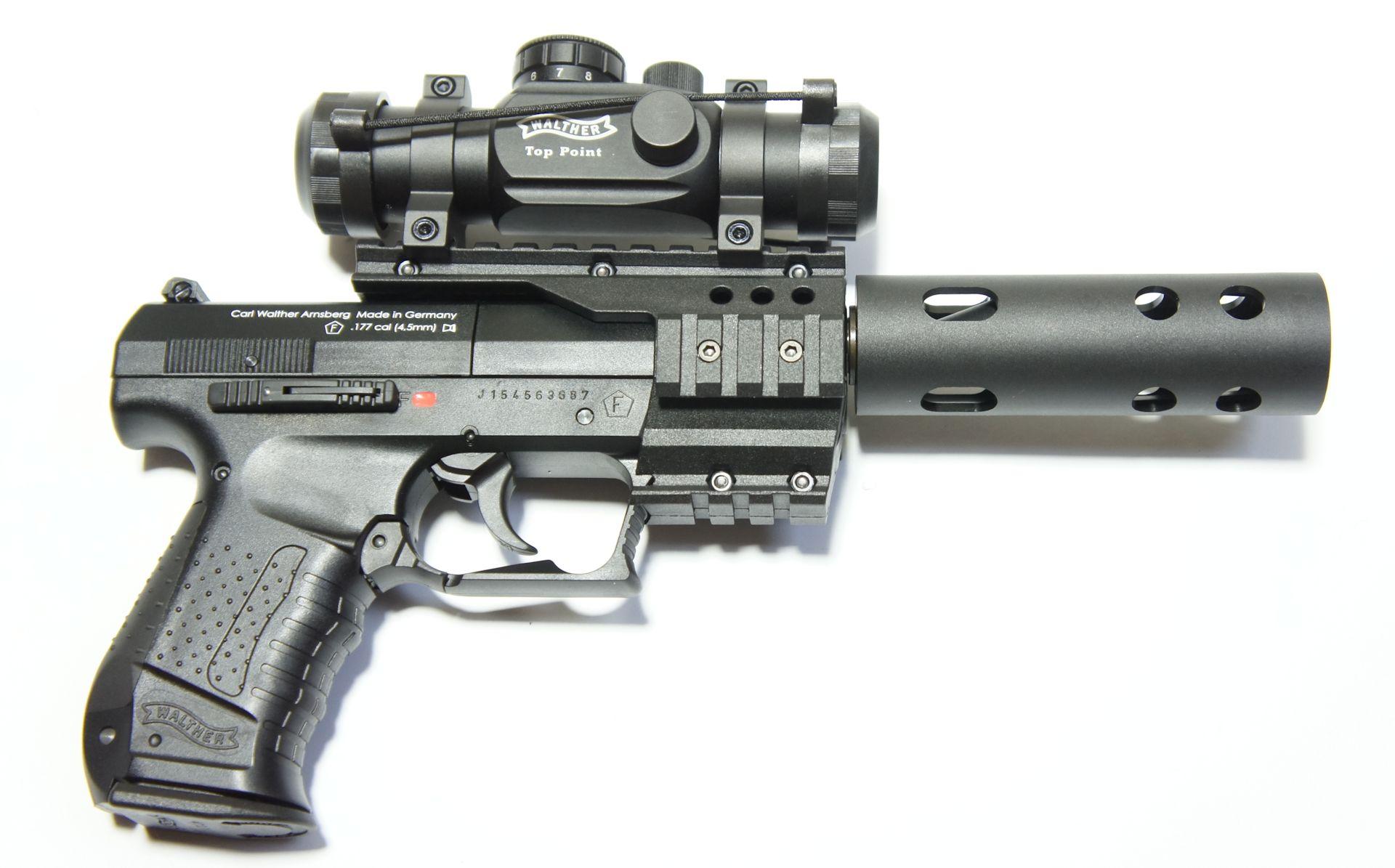 CO2 Pistole Walther NightHawk von Rechts