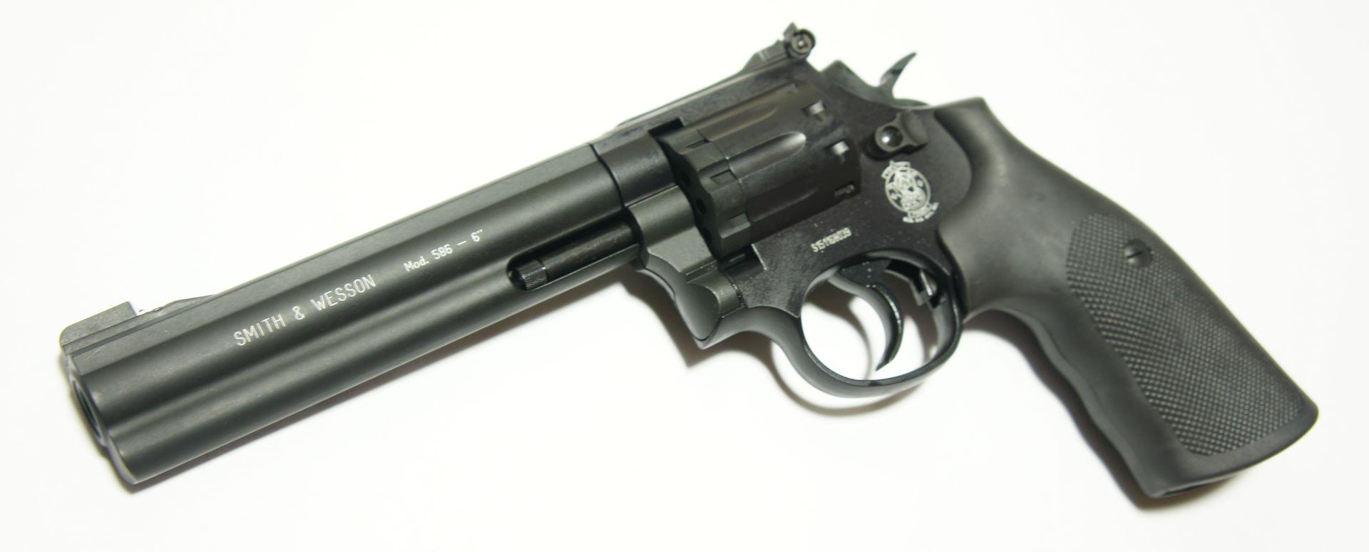 CO2 Revolver Smith & Wesson 586 von vorne