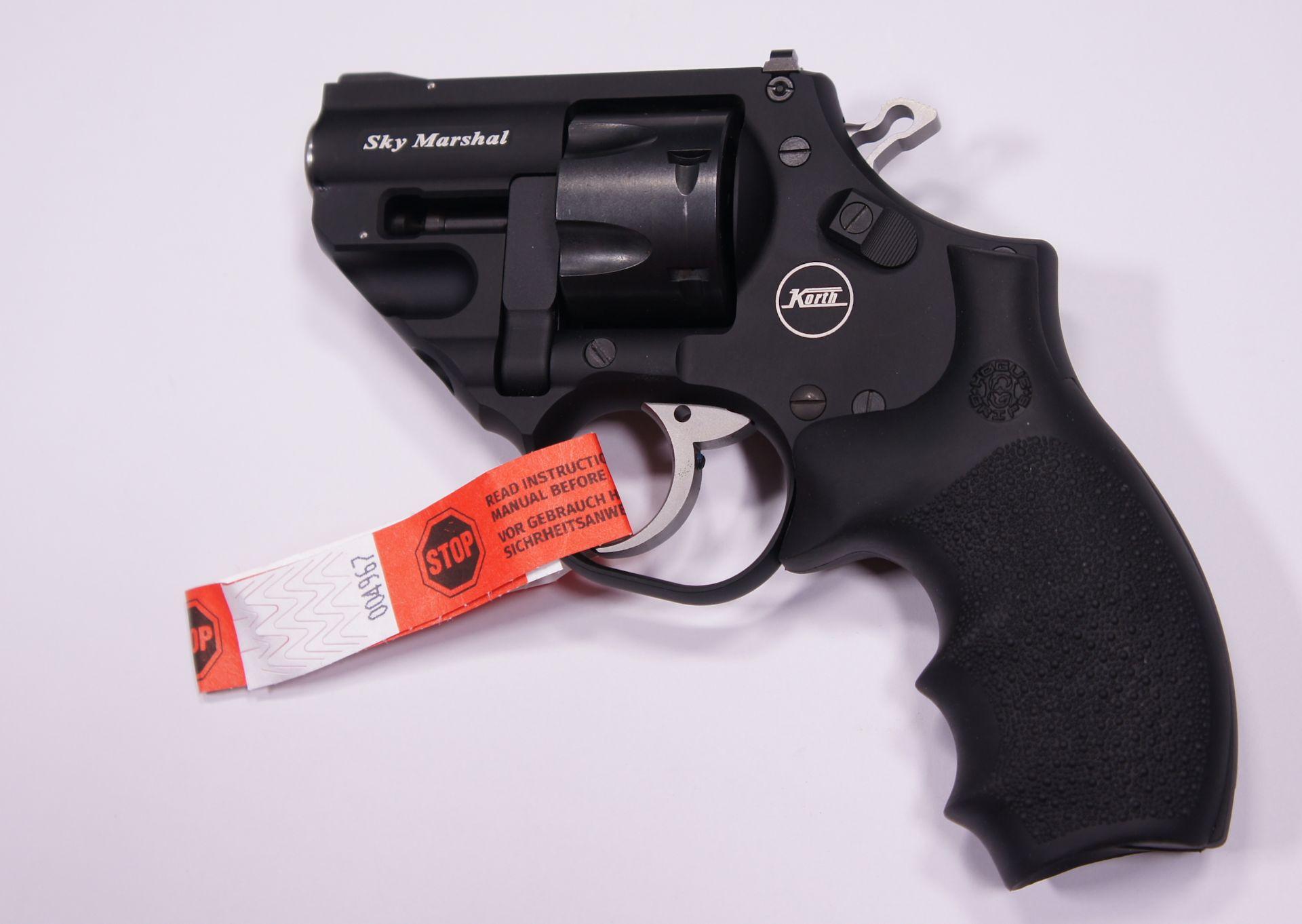 Korth Revolver Sky Marshal  Kaliber 9mm R Knall  / .380 R Blank
