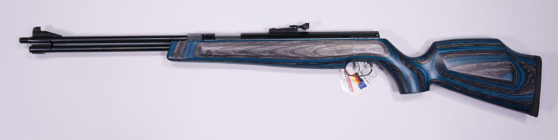 Luftgewehr HW 77 K mit Laufgewinde und Schalldämpfer im blauen Schichtholzschaft