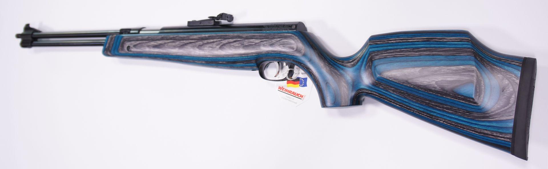 Der blaue Schichtholzschaft am Luftgewehr HW 77 K sieht sehr gut aus.