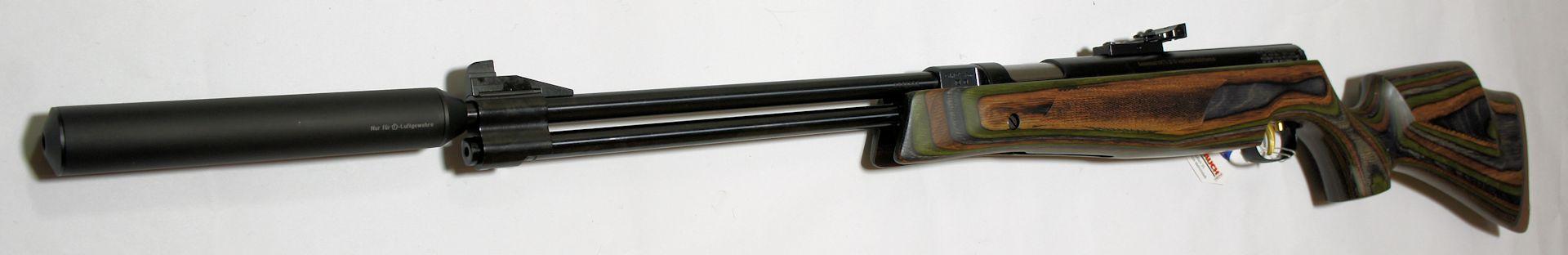 Luftgewehr HW 77 mit Laufgewinde und Schalldämpfer im grünem Schichtholzschaft