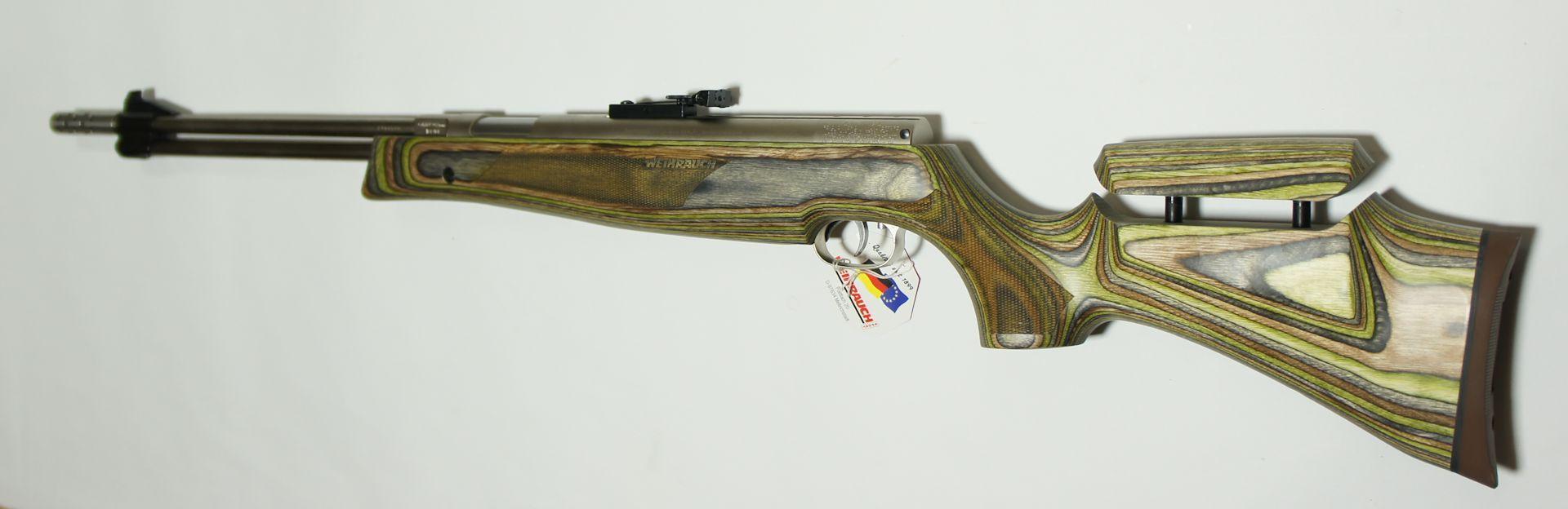 Luftgewehr HW 77 mit Laufgewinde und Komensator im grünen Schichtholzschaft