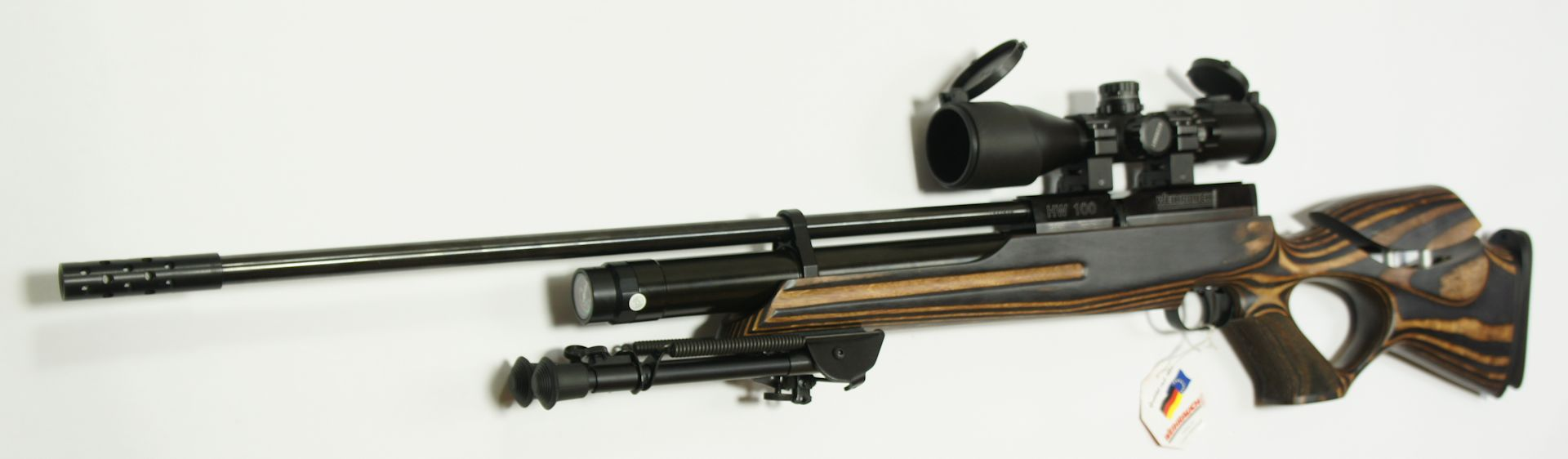 Das Harris- Zweibein ist von sehr guter Qualität und kann mit wenigen Handgriffen abgenommen oder angesetzt werden.