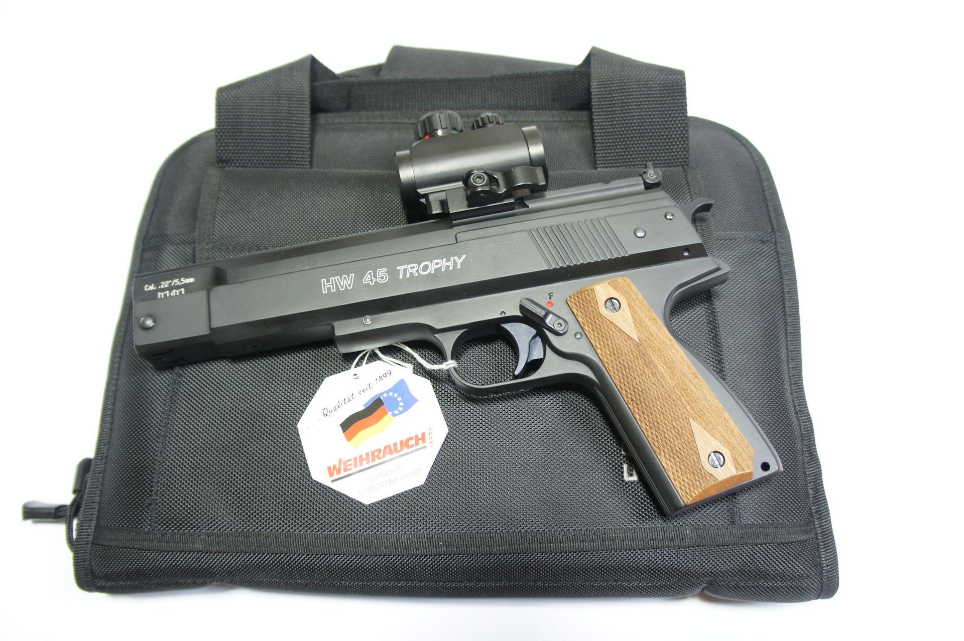 Als Zubehör für die HW 45 Trophy RTU mit aufgesetzter Optik kann ich Ihnen <a href=1340094.htm> solche praktische Tasche Bestellnummer 1340094 </a> für Aufbewahrung und Transport anbieten. Die Tasche wäre mittels Vorhängeschloss abschließbar.
