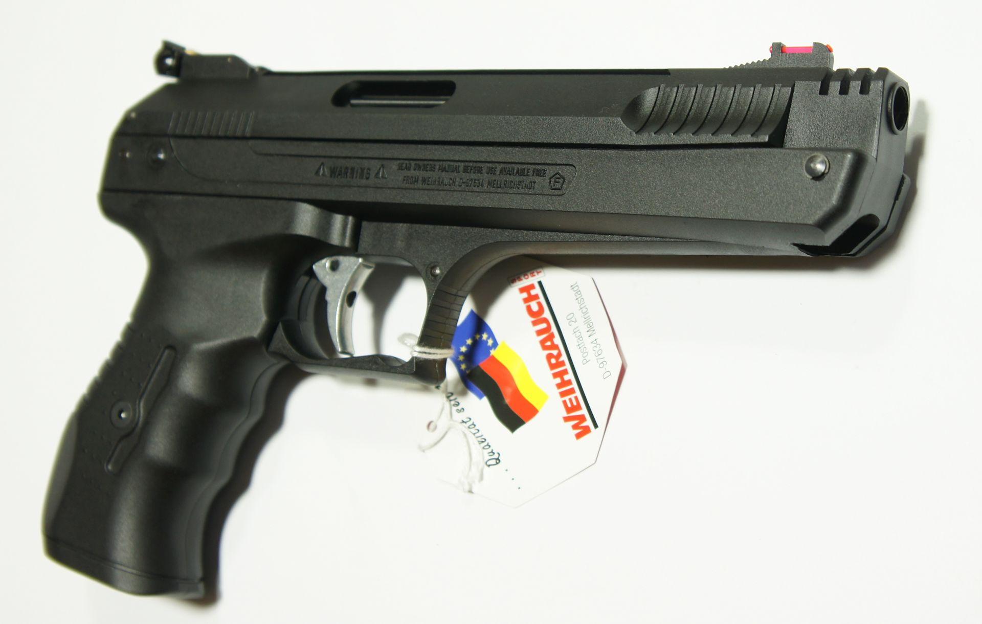 Die Luftpistole HW 40 hat einen neutralen Griff und ist von Rechts- und Linksschützen gleichermaßen gut zu bedienen.