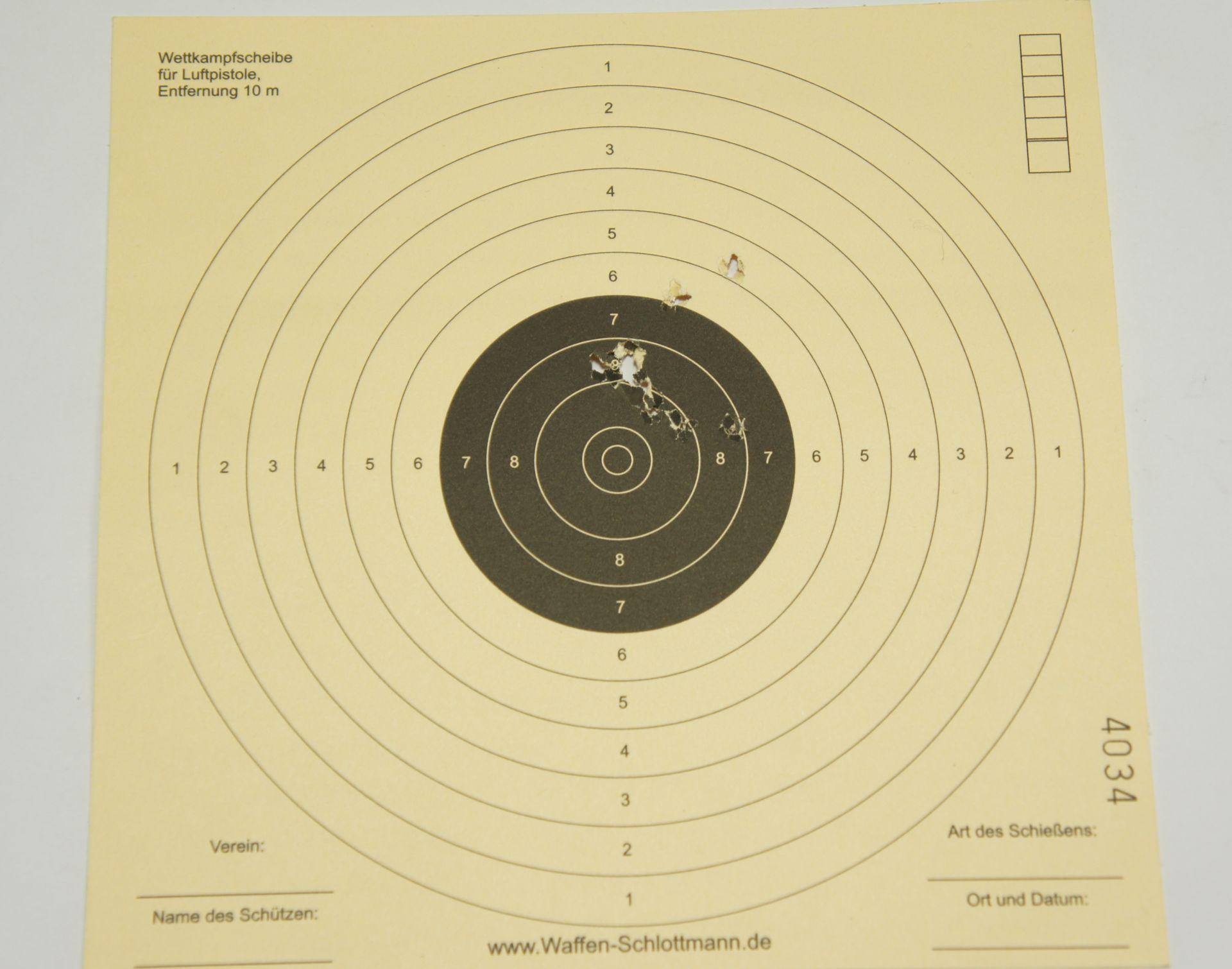noch ein Trefferbild auf 10m mit 10 Schuß <a href=1172019.htm>H&N Baracuda Match</a> vom gleichen Tag.