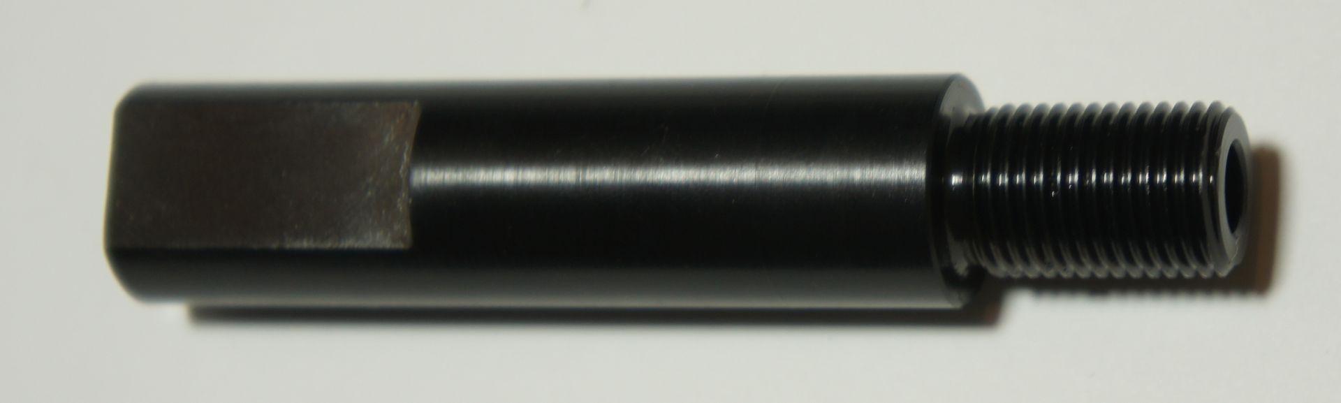 Dieser Adapter  ist speziell für die CO2 Pistole Crosman 2240 und hat an der Unterseite eine Aussparung, damit der Deckel vom Kapselbehälter problemlos gelöst werden kann.