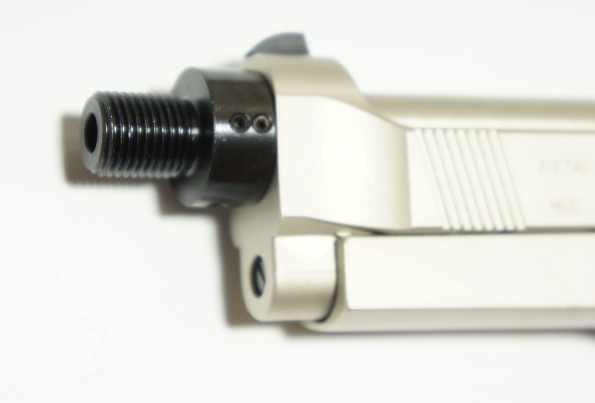 Als Zubehör möchte ich so einen  <a href=1165832.htm>Adapter </a>empfehlen. Der wir mit 8 Torx - Gewindestiften ausgerichtet und geklemmt. So ein Adapter aus eigener Fertigung sitzt fest und sicher.