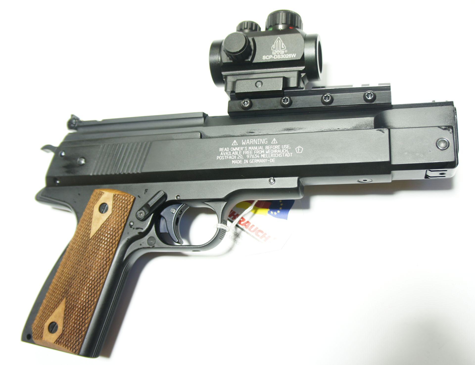 Montagebeispiel an der Luftpistole HW 45 / Die Adapterschiene ist mit M4 TORX- Schrauben ausgestattet