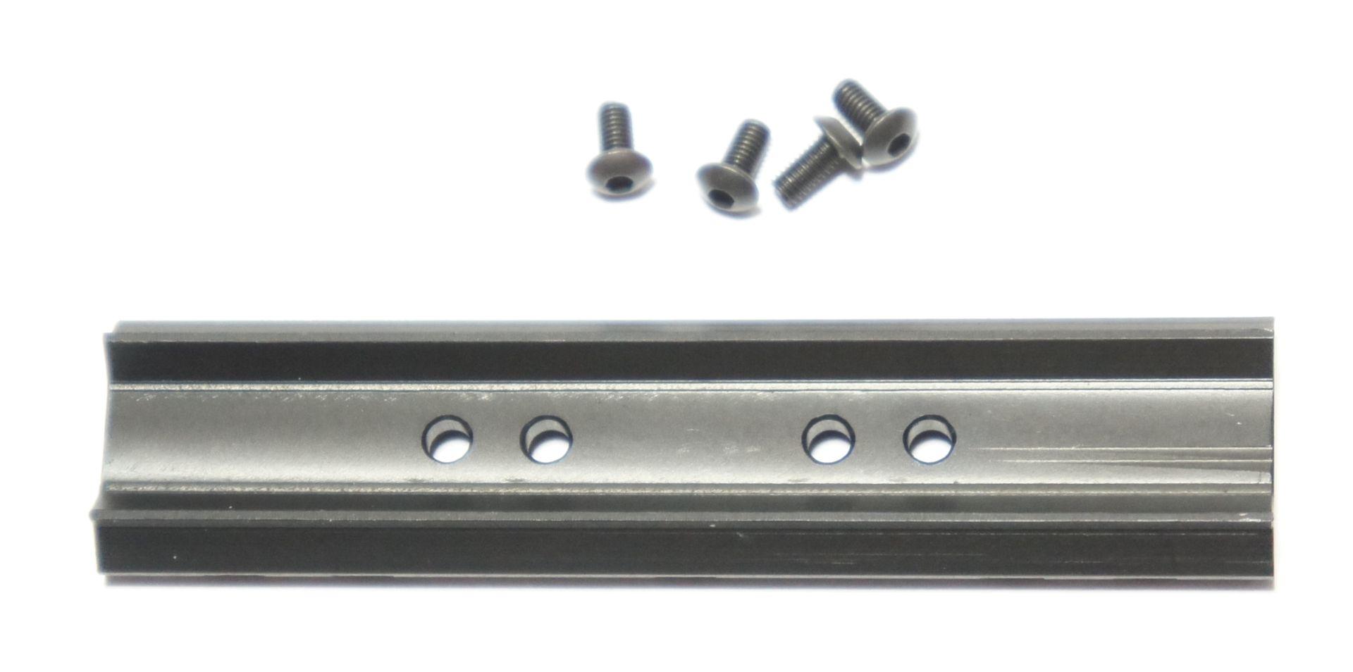 Die Unterseite ist dem Revolver speziell angepasst.