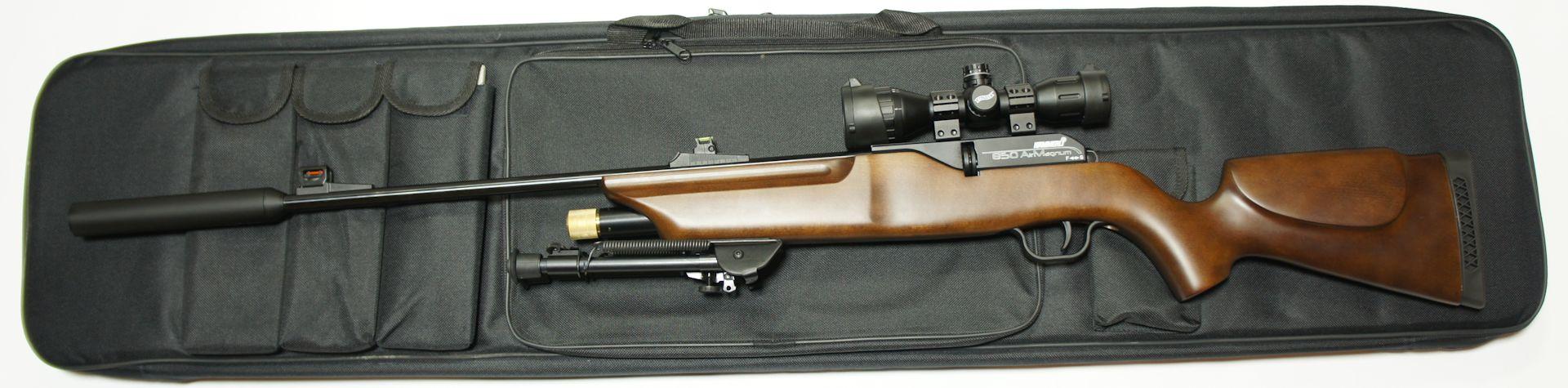Anwendungsbeispiel und Größenvergleich mit dem CO2 Luftgewehr 850 Airmagnum mit aufgesetztem Schalldämpfer und Zweibein