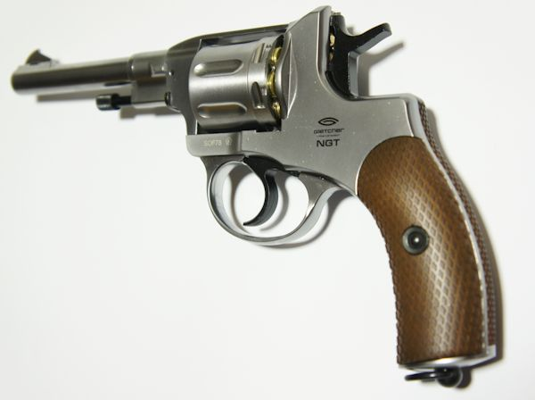 vernickelter CO2 Revolver NGT, Nagant- Nachbau der Marke Gletcher