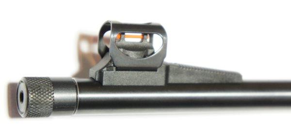 Dieses Walther Dominator mit Laufgewinde für <a href=../1168812.htm>Schalldämpfer</a> wird mit so einer Mündungsmutter geliefert. Bei den Schalldämpfern haben Sie die freie Wahl. Ich würede den von Fa. Weihrauch mit der Nr. 1168812 empfehlen