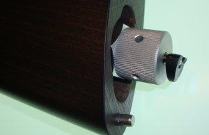 Montagebeispiel: Der Adapter in einer Walther LeverAction. Der vorstehende Teil wird durch die Schaftkappe verdeckt.