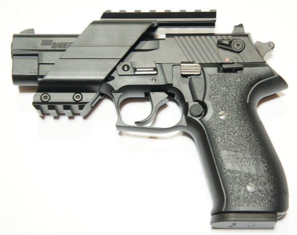 Universal Pistolen Montage beispielsweise auf SIG Sauer Mosquito im Kaliber .22 lfB