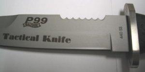 Klinge aus 440er Stahl, Gummigriff, breiter Klingenrücken,