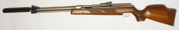 vernickeltes HW 77 k sd mit Schalldämpfer und hohem, 97er Holzschaftim Kaliber 4,5mm