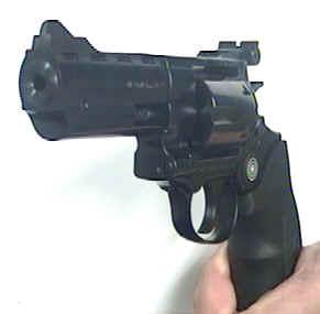 Revolver mit Druckluftpatronen Broccock