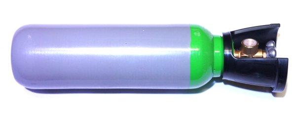 In Verbindung mit einer <a href=1165561.htm>Pressluftflasche </a>würde einen <a href=1165558.htm> einen Schlauch mit Manometer und Ablassschraube</a> als Zubehör vorschlagen.