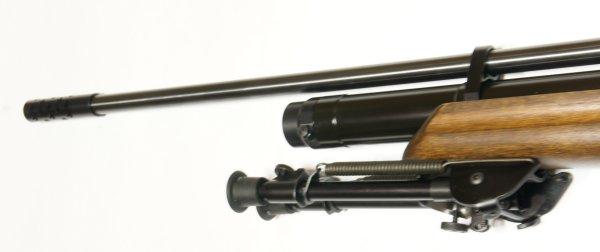 Montagebeispiel mit <a href=1165804.htm> Harris- Zweibein </a> am Luftgewehr HW 100