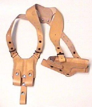 Anwendungsbeispiel Schulterholster aus Leder  für Pistolen