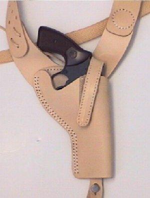 Anwendungsbeispiel Schulterholster für Revolver