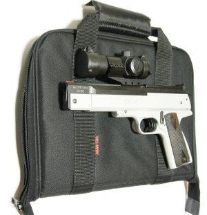 Das Bild zeigt ein passendes Futteral mit einer Luftpistole HW 45 mit Optik als Kombinationsbeispiel. Dieses  <a href=1340096_pistolentasche.htm>Futteral ist als Zubehör hier erhältlich</a>.