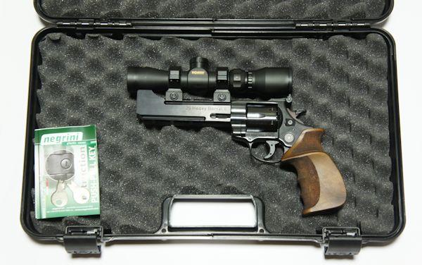 Am Beispiel vom <a href=1160500.htm>freien LEP Revolver in 5,5mm </a> möchte ich Ihnen <a href=1340300.htm>diesen Koffer </a> empfehlen.