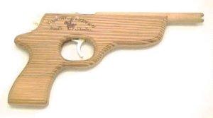 kinderpistole aus holz zum abschie en von gummies. Black Bedroom Furniture Sets. Home Design Ideas
