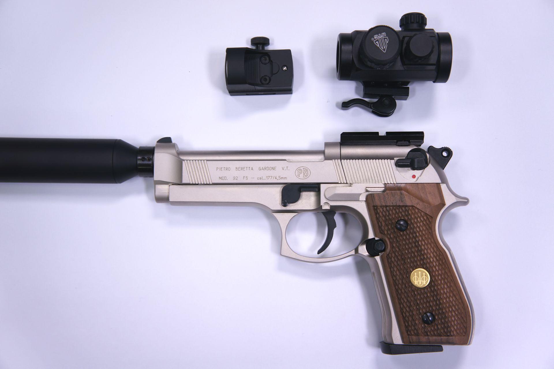 CO2 Pistole Beretta 92 FS mit den verschiedenen Konfigurationsmöglichkeiten
