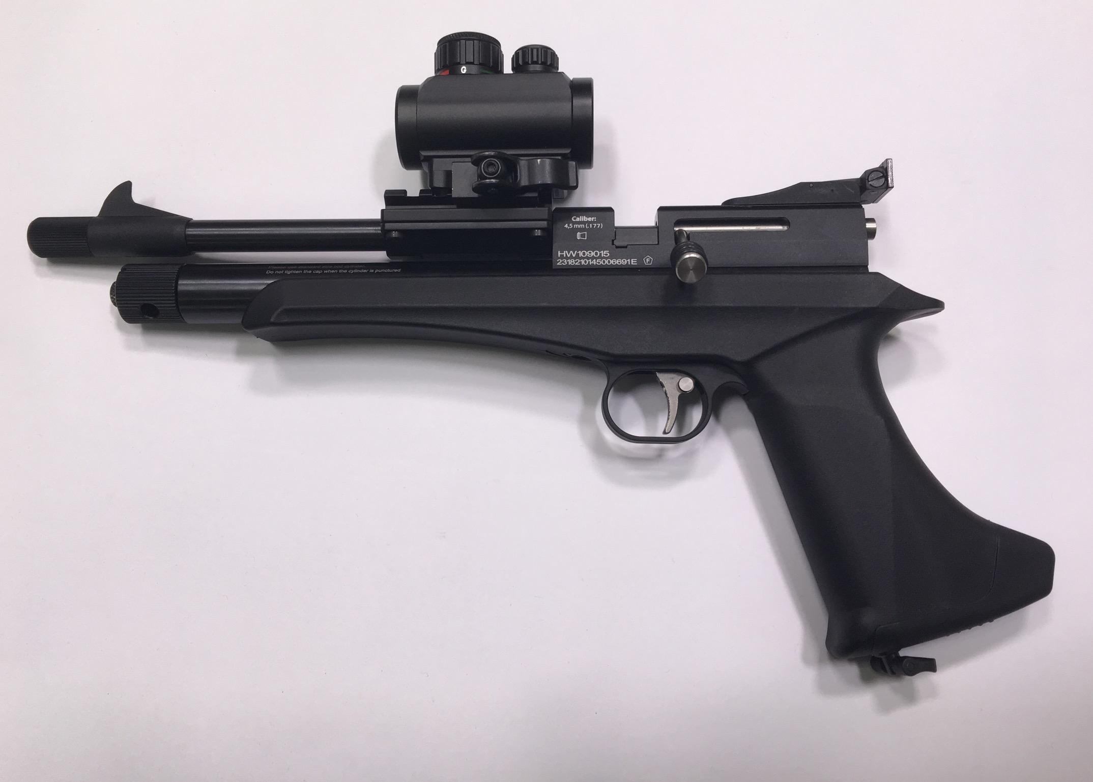 Diana Chaser CO2 Pistole mit montiertem Leuchtpunktvisier