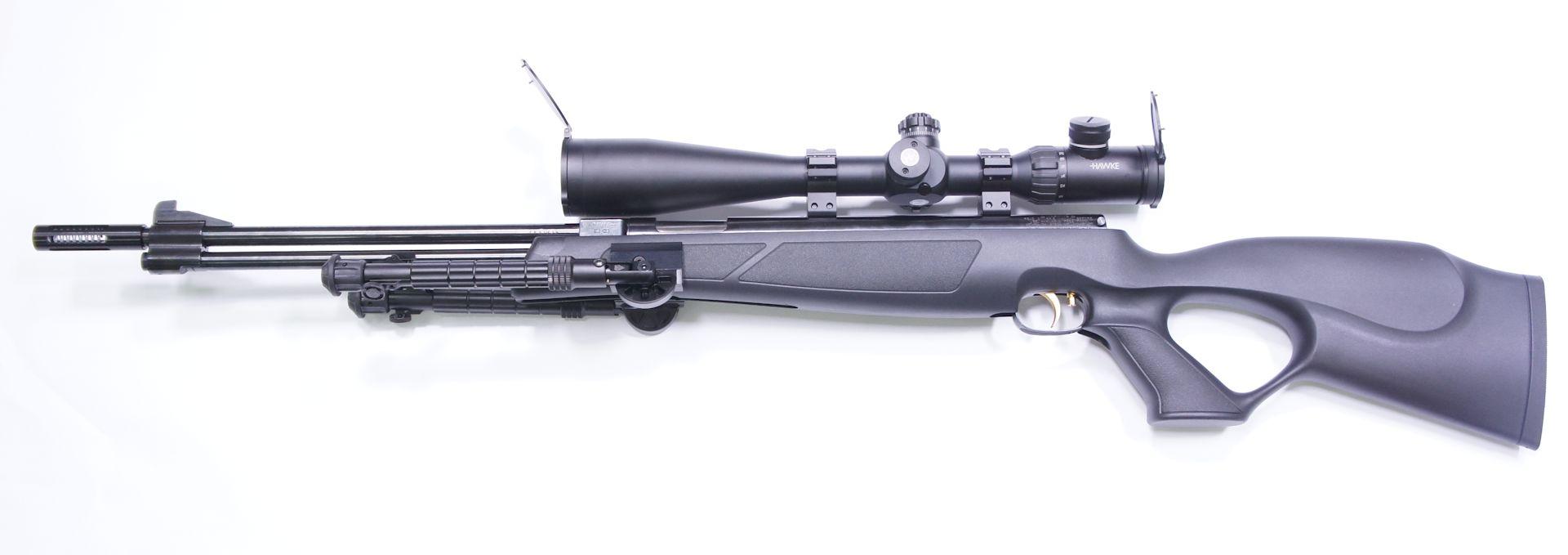 Dieses Bild mit <a href=1130173.htm> Zielfernrohr Hawke AIRMAX 30 SF Modell 8-32x50 SF</a> zeigt die sehr gute Optik für das Field Target schießen und auch ein passendes Zweibein.
