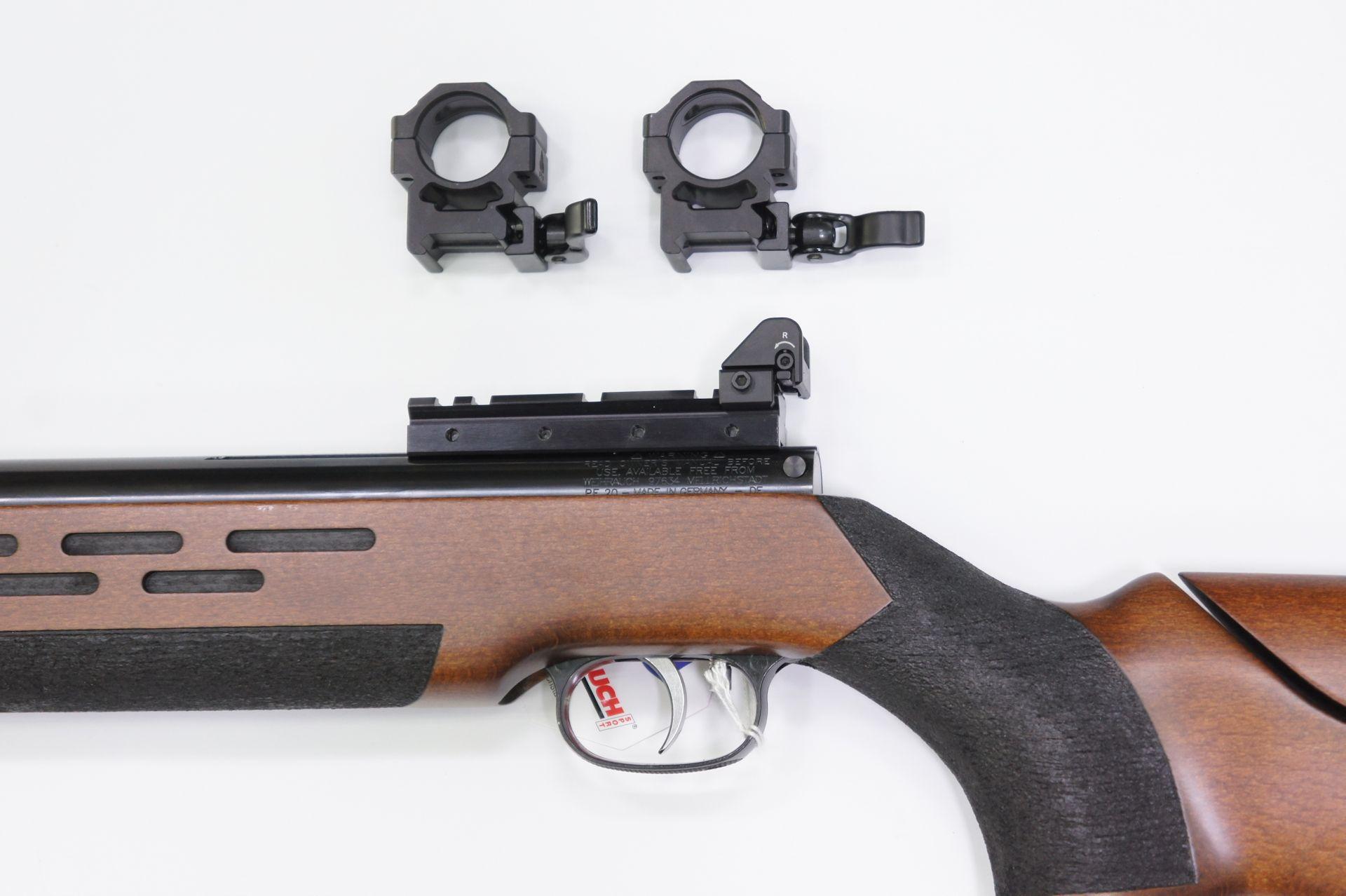 Noch ein interessantes Anwendungsbeispiel am <a href=1160420.htm>Luftgewehr HW 98</a>. Diese Schiene ermöglicht die Montage einer Kochkimme und es ist ein passender Kornträger für HW 98 verfügbar..