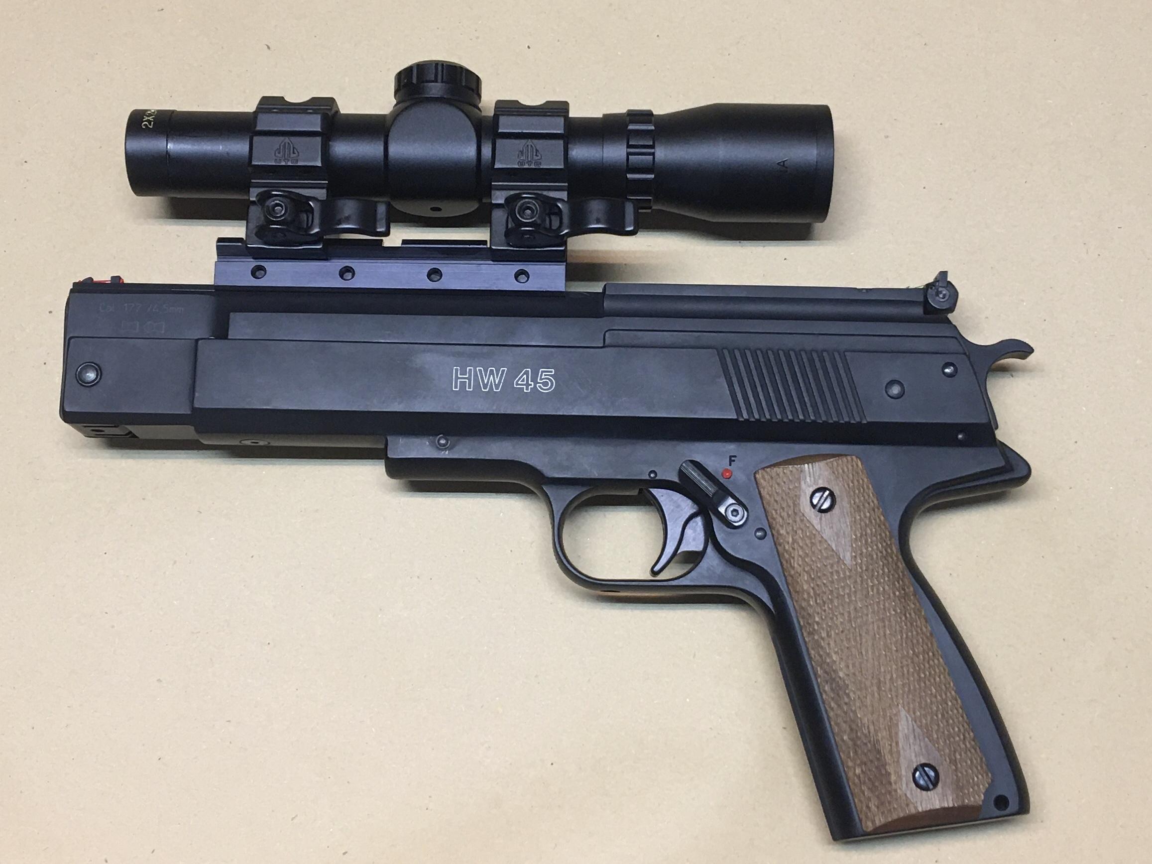Und hier habe ich ein schönes Beispiel mit dem Pistolenzielfernrohr von Firma Weihrauch. Die Montageringe wurden gegen welche mit Schnellspannung getauscht