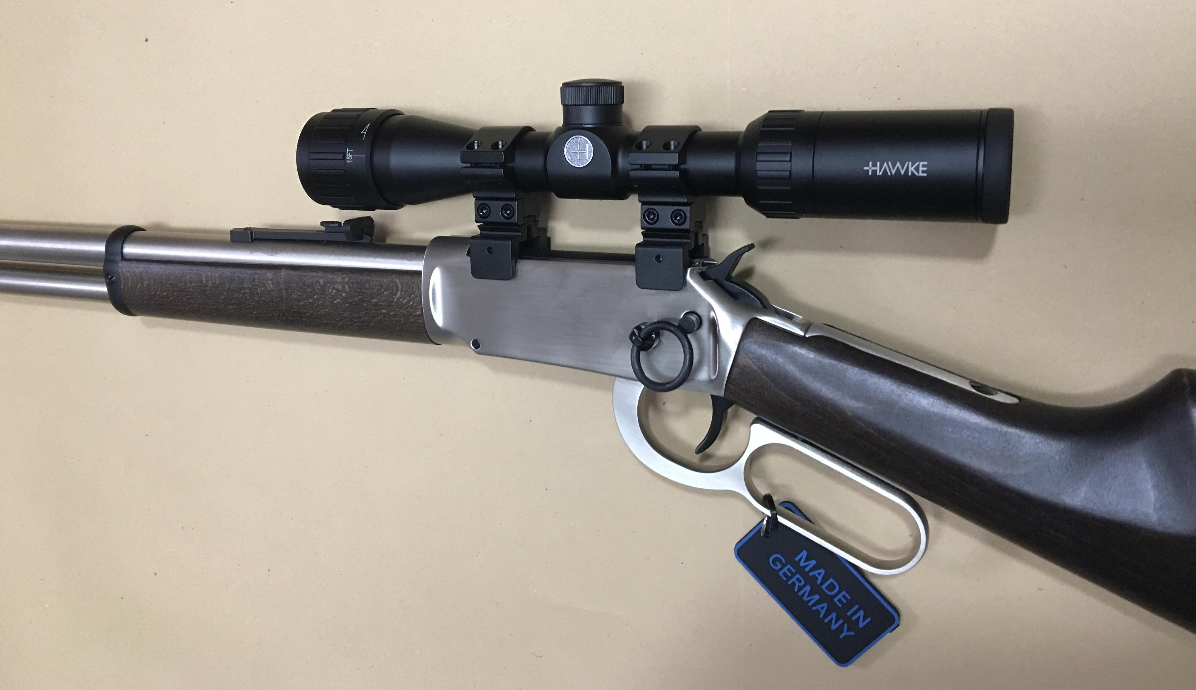 Montagebeispiel am vernickelten <a href=1060342.htm> CO2 Gewehr Walther Lever Action</a>, steel finish