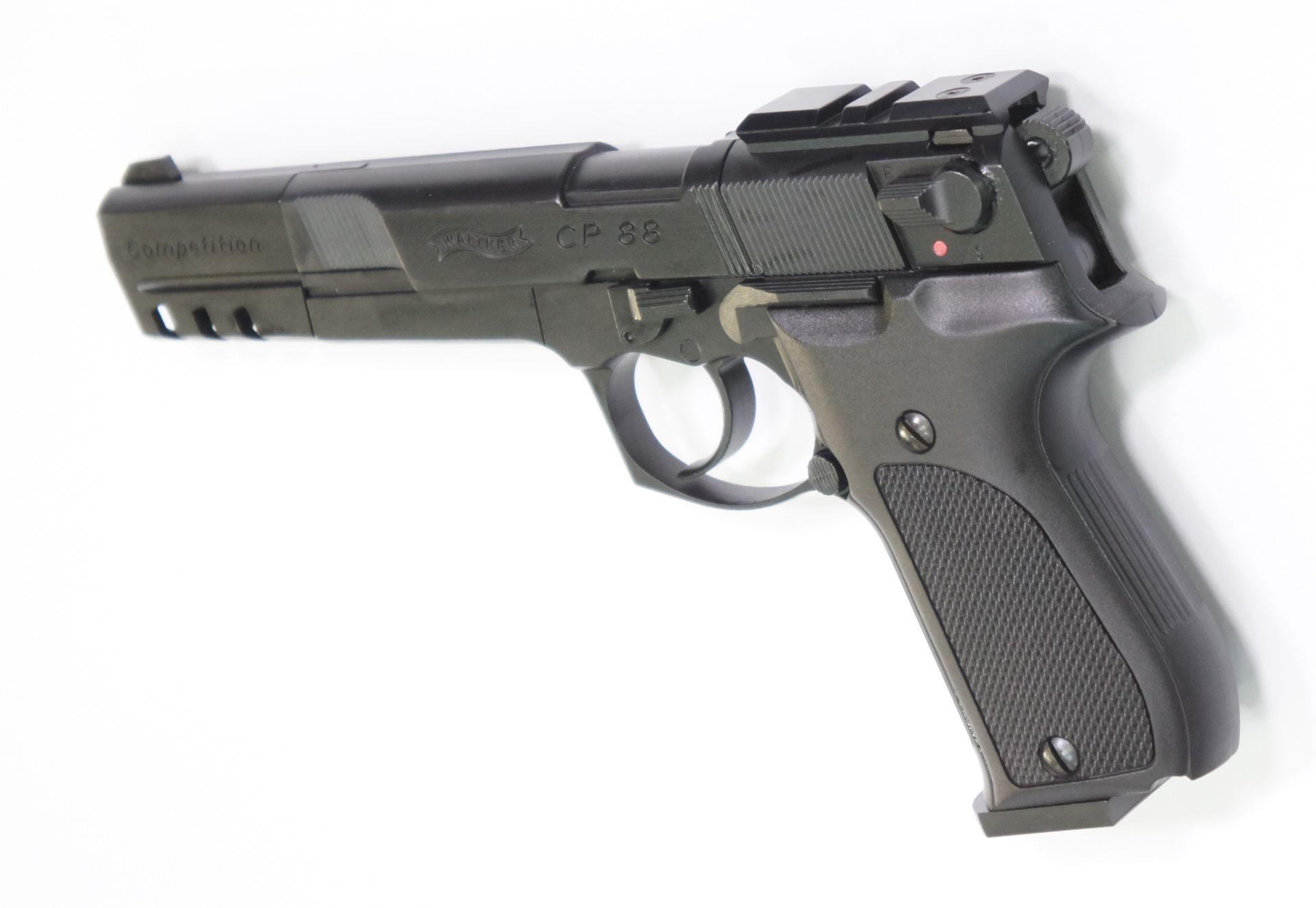Montagebeispiel der neuen Generation auf   <a href=1050062.htm> CO2 Pistole Walther CP88 Competition, schwarz</a>