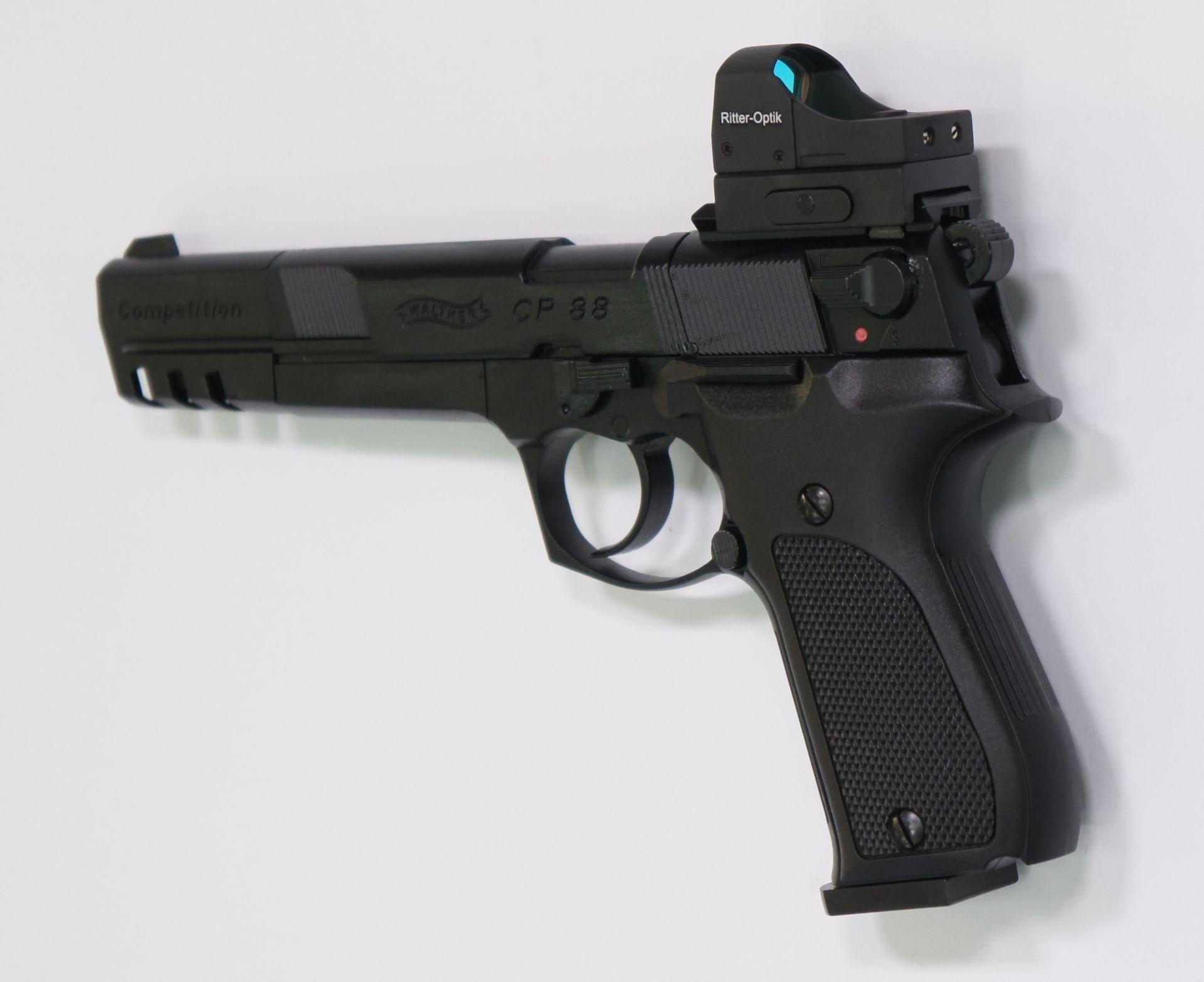 Montagebeispiel der neuen Generation auf   <a href=1050062.htm> CO2 Pistole Walther CP88 Competition, schwarz</a> mit <a href=1130222-21.htm>Reflexvisier Ritter</a>