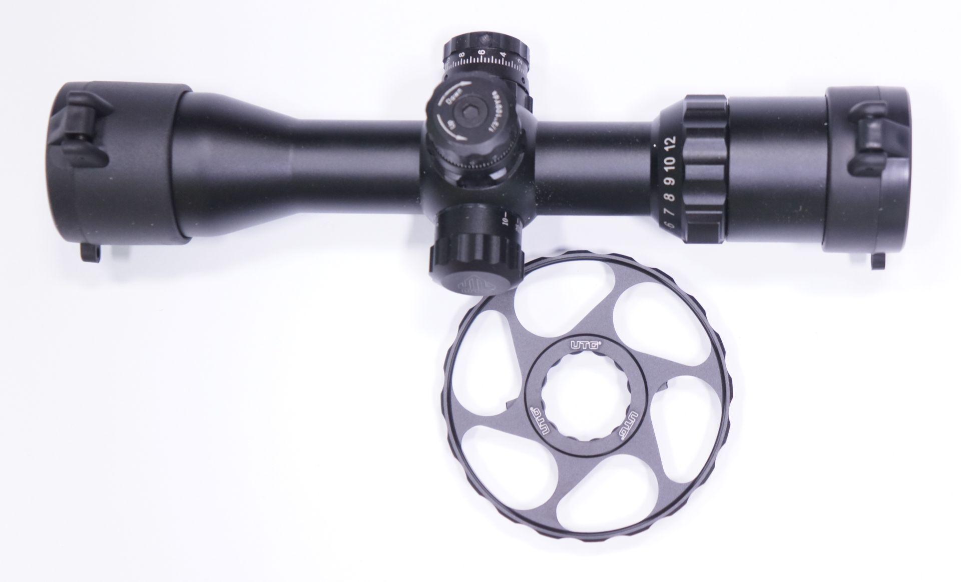 UTG Stellrad für Zielfernrohr. Der Innendurchmesser beträgt ca. 25mm. Innen sitzt ein breiter Gummiring, welcher an die Riffelung vom Stellknopf der UTG- Gläser angepasst ist.