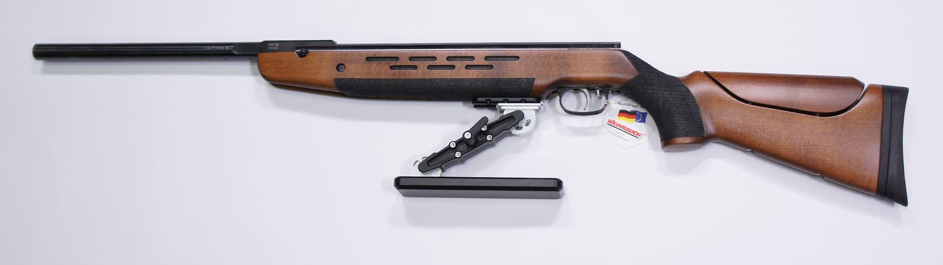 Montagebeispiel am Luftgewehr HW 98 FT und mittes dieser UIT Schiene befestigtem <a href=1131630-K1.htm> Hamster </a>. Wer sich für eine UIT Schiene interesiert, sollte diesen <a href=1131630-K1.htm> Hamster </a>näher angeschaut haben. Der wurde von einem FT Schützen für Schützen entwickelt und hergestellt.  Gegen Aufpreis können die Waffen so konfiguriert werden.