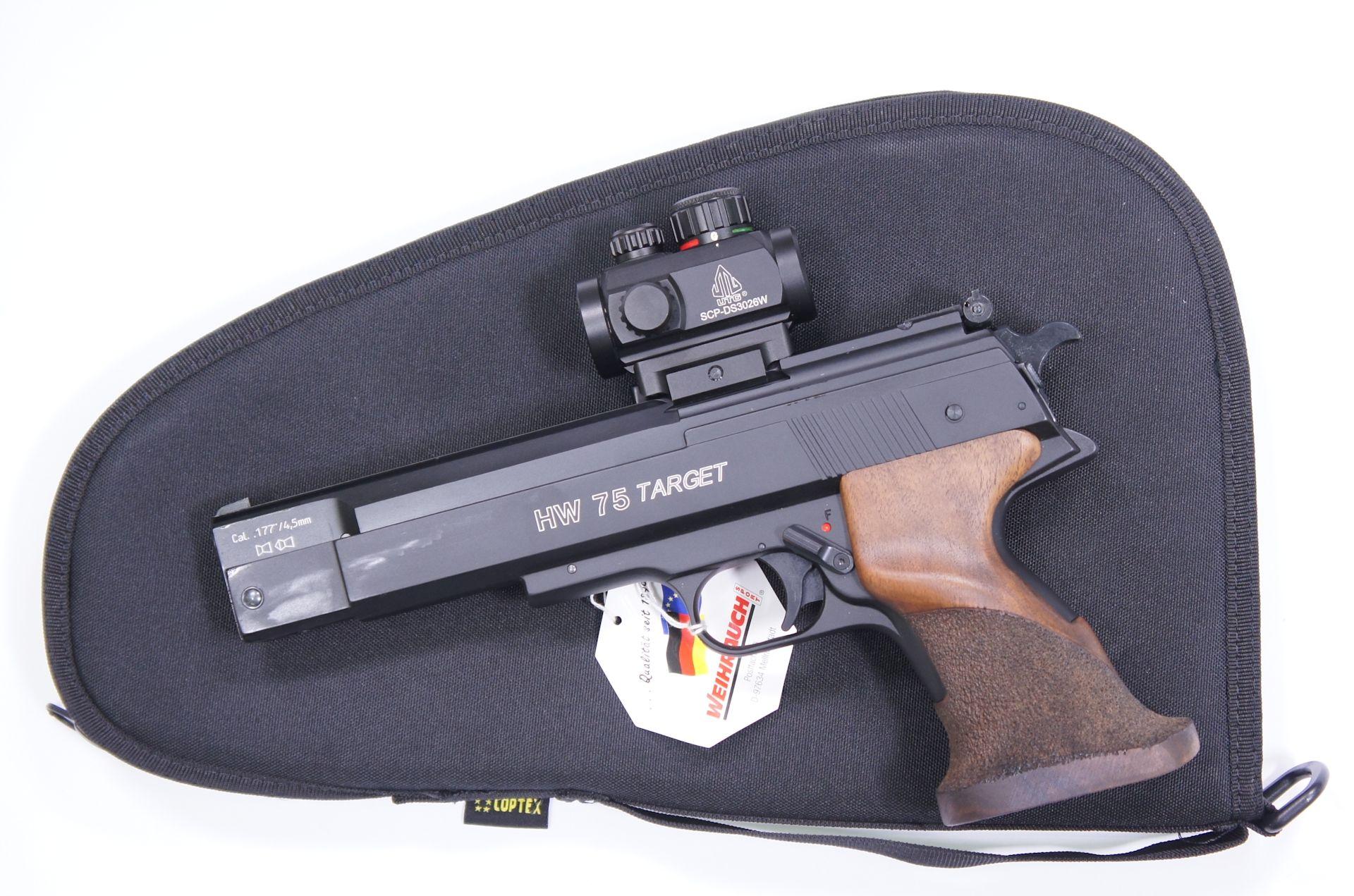 Als Zubehör für die Luftpistole HW 75 Target kann ich Ihnen so eine <a href=1130222-45.htm>Reflexvisier der Marke Ritter</a> und <a href=1340088.htm> solche praktische Tasche </a> für Aufbewahrung und Transport anbieten. Die Tasche wäre mittels Vorhängeschloss abschließbar.