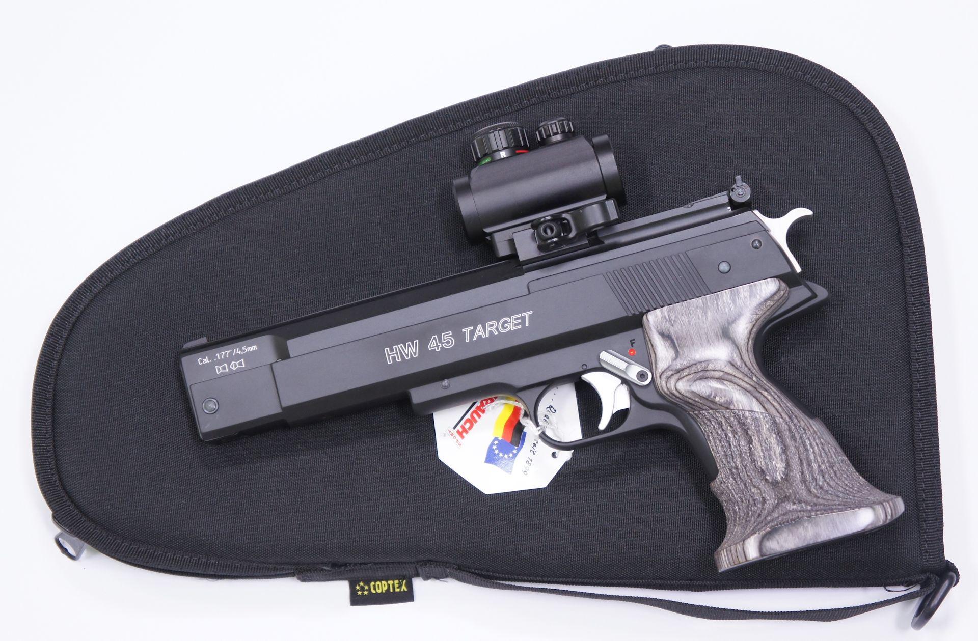 Am Beispiel der schwarzen Ausführung möchte ich als Zubehör für die HW 45 SilverStar Target so ein <a href=1130221.htm>Leuchtpunktvisier der Marke UTG</a> und <a href=1340088.htm> solche praktische Tasche </a> für Aufbewahrung und Transport anbieten.