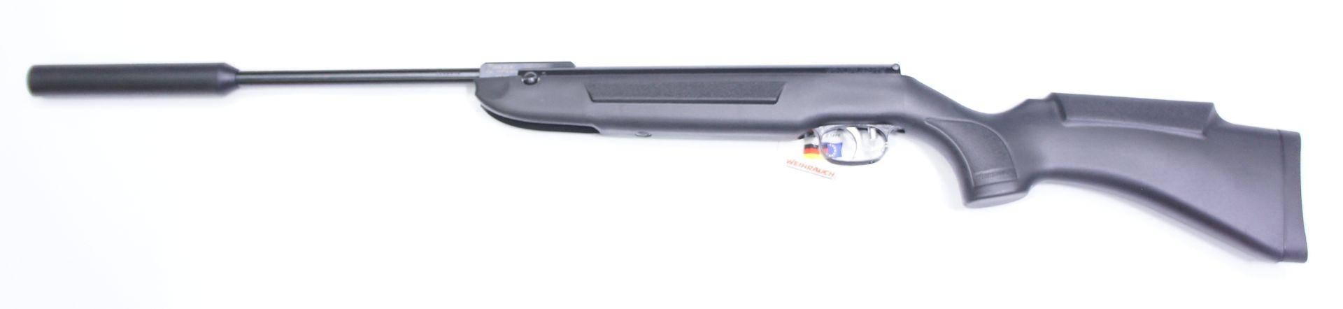 Luftgewehr Weihrauch HW 30S mit Schalldämpfer im Synthetikschaft