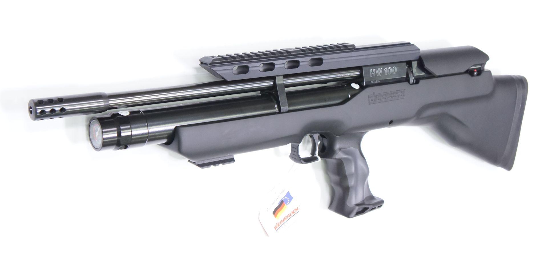 Bei diesem neuen Gewehr ist praktisch das System nach hinten in den Schaft versetzt und der Abzugsmechanismus nach vorne verlagert.