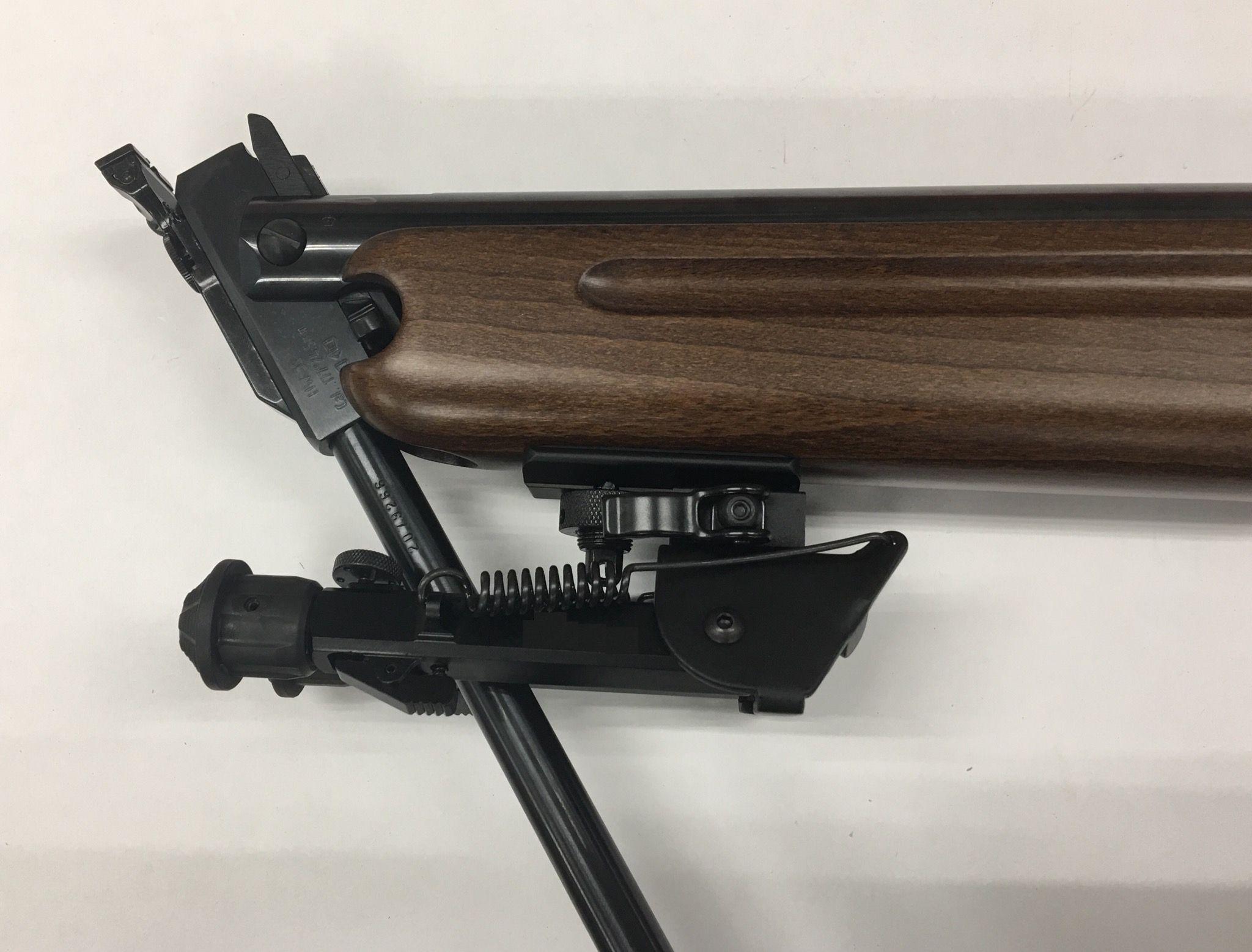 Montagebeispiel am Kipplauf- Luftgewehr HW 35. Um dieses zwei Bein beispielsweise am HW 35 zu befestigen, ist eine Rebenöse Zusätzlicherforderlich.