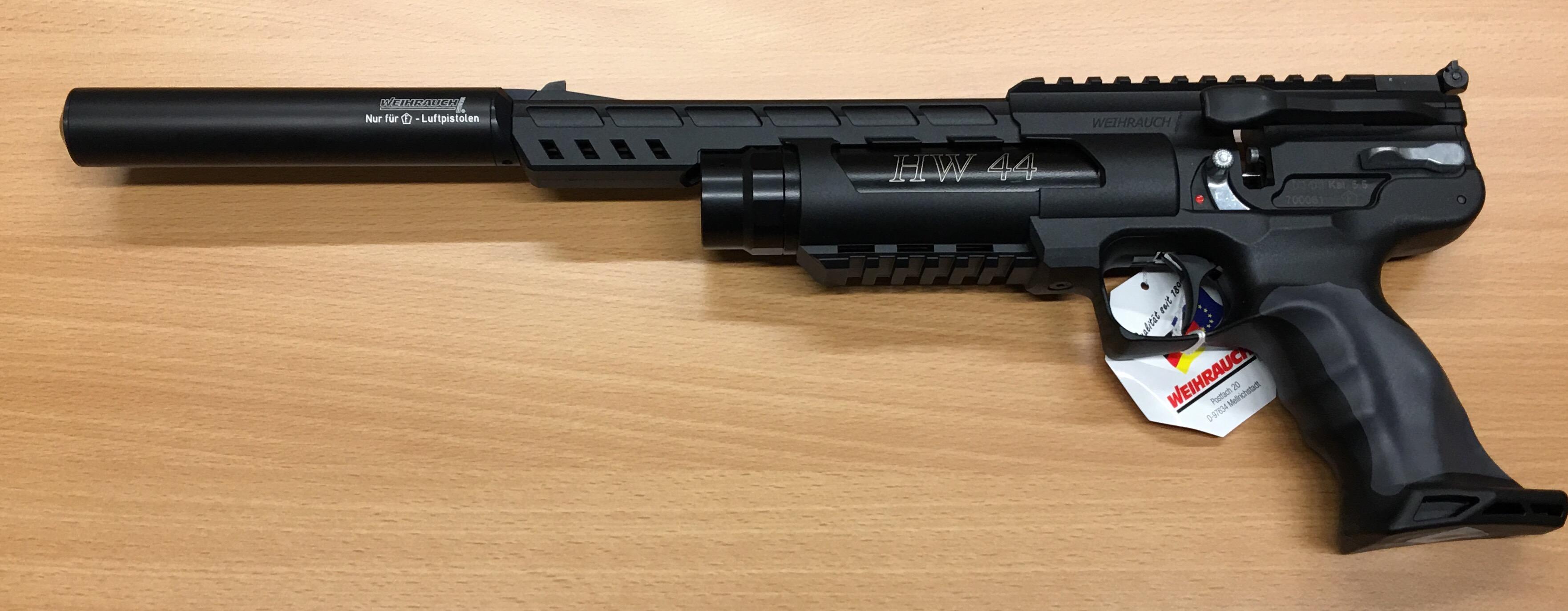 Montagebeispiel vom Schalldämpfer an der <a href=1160008-45.htm>Luftpistole HW 44</a>