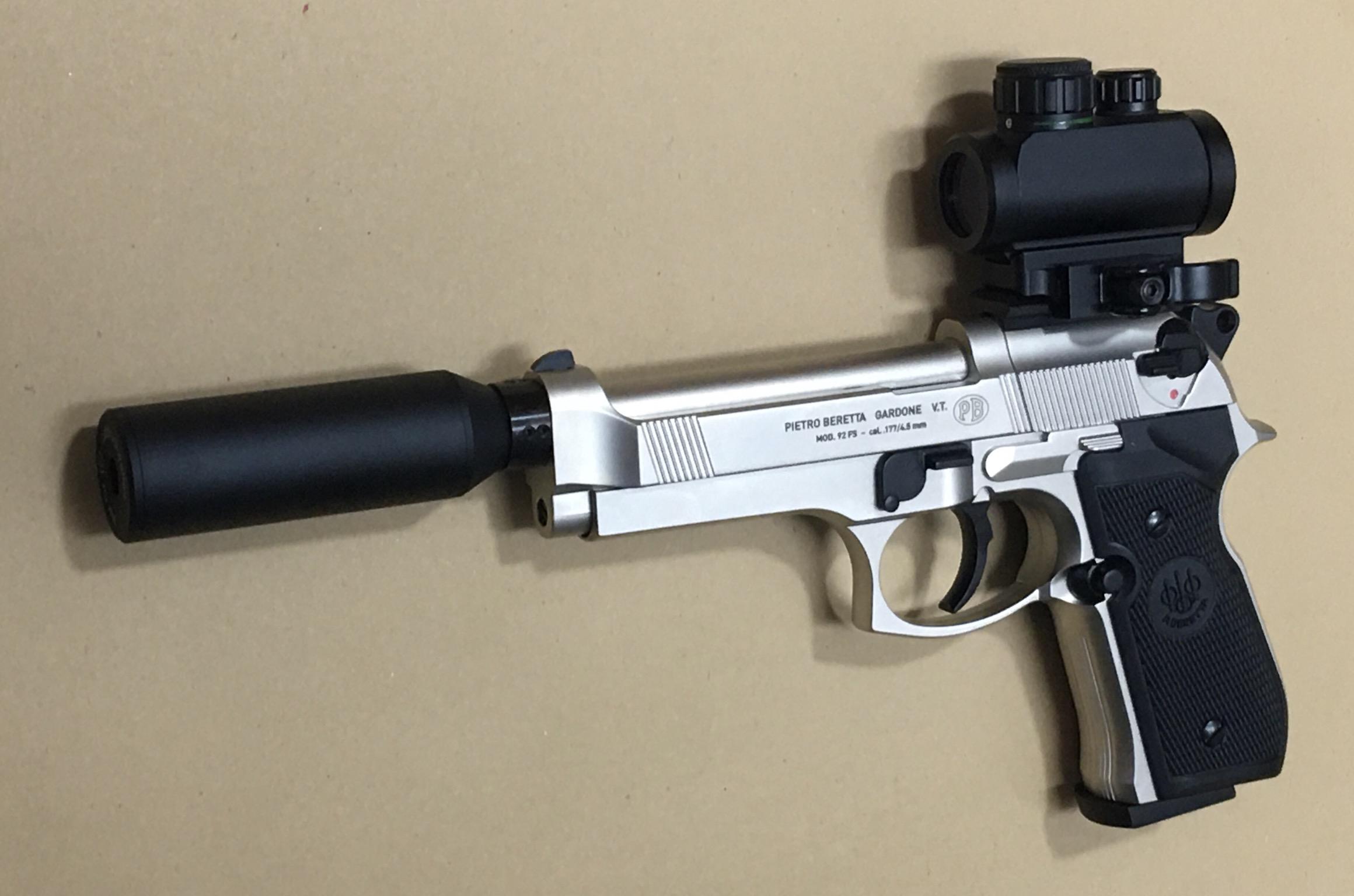 Kombinationsbeispiel mit <a href=1050022.htm> CO2 Pistole Beretta 92 F</a> mittels Schalldämpferadapter