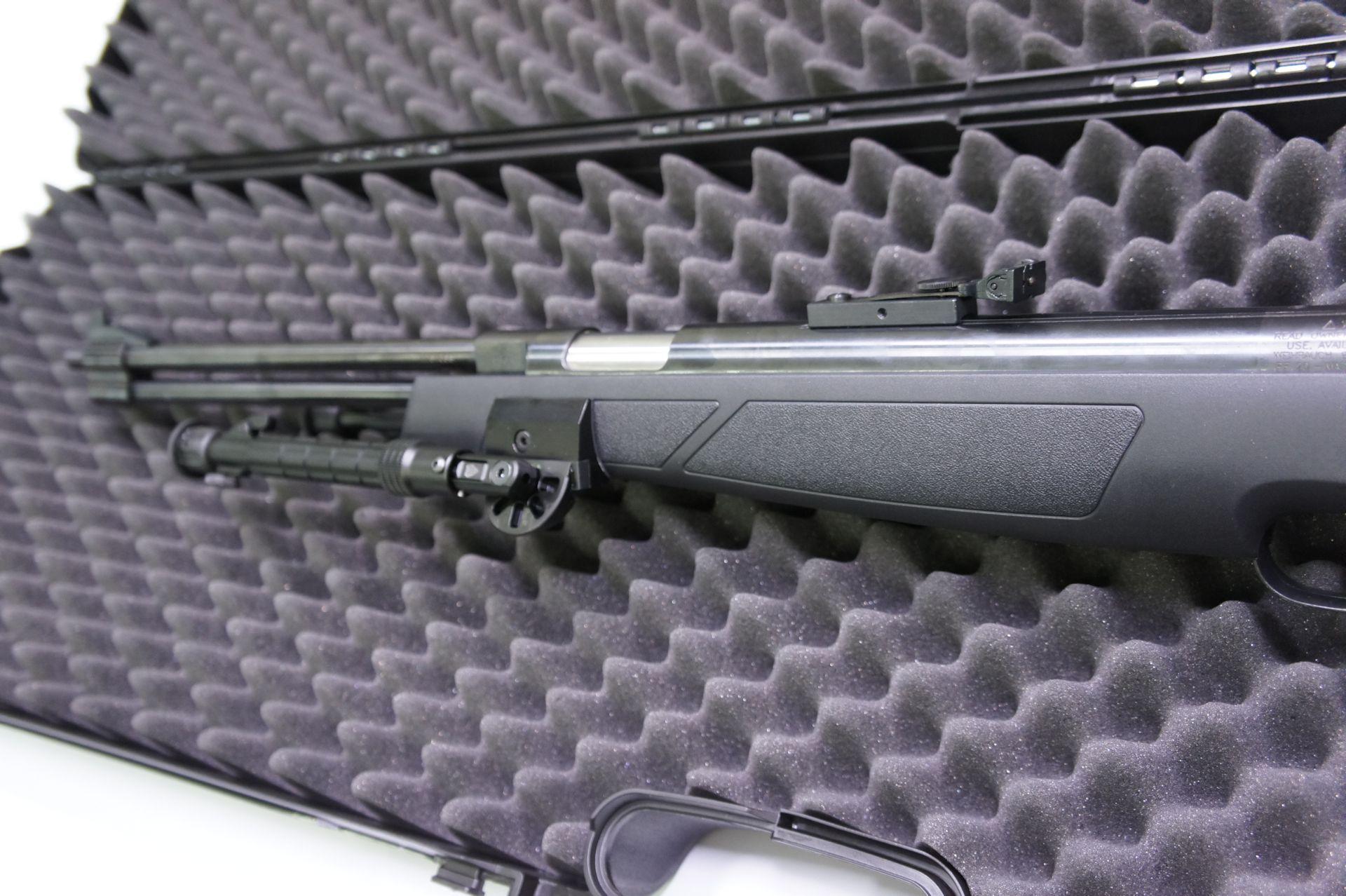 In diesen Koffer passt auch so ein <a href=11604-45-ks.htm>Luftgewehr HW 77 K sd </a> mit <a href=1165801.htm>seitlichem Zweibein</a>